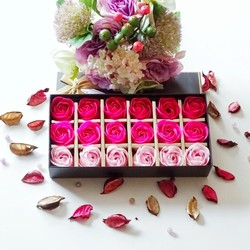 18 pcs Gradiente Criativo simulação rose flor Sabão Subiu