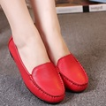 2016 Spring and Autumn paragraph new women 's leather fashion large size women' s flat shoes casual comfortable soft bottom driv