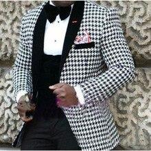 In 2017 the new man suit  New Arrival Men's 3 Piece Formal Wedding Groom Tuxedos Groomsman Best Man Suits Custom coat + pants +