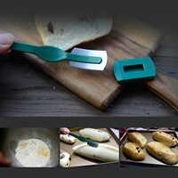 Behogar acier au carbone Lame à pain pâte Baguette cuisine française Bagel couteau courbé Cutter avec couvercle pour Chefs boulangers cuisiniers