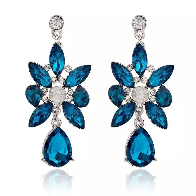 Generous Womens Fashion Crystal Silver Earrings . Jewelry & Watches