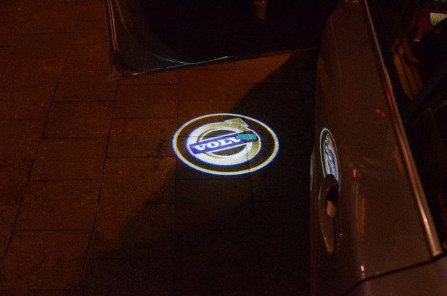 Volvo V50 Lampen : Volvo logo benutzerdefinierte courtesy licht led car styling