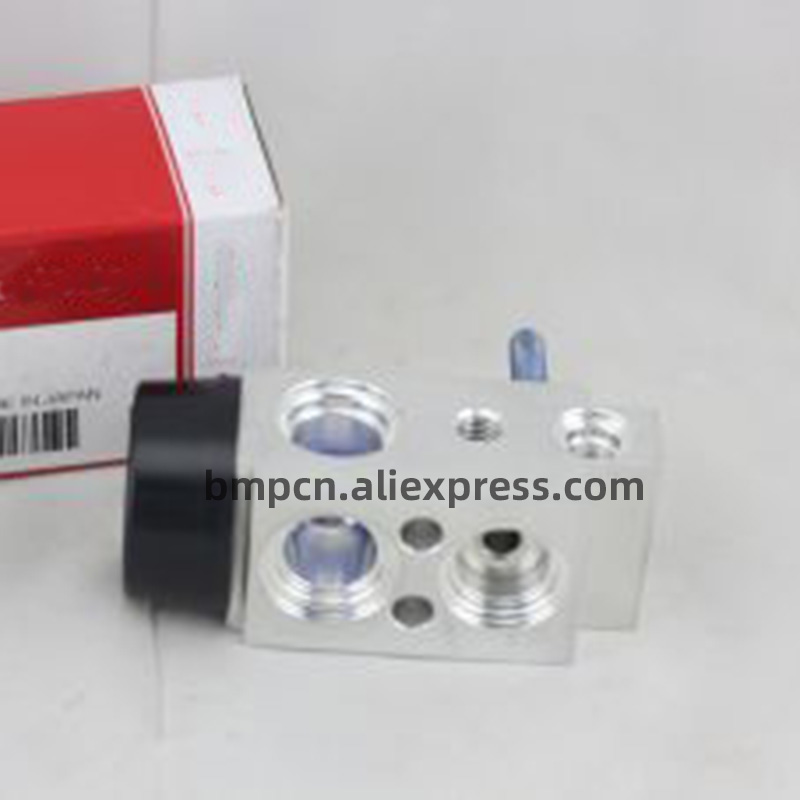 New A C Expansion Valve 976263R000 FOR Sonata Optima Azera Cadenza SANTAFE 2012