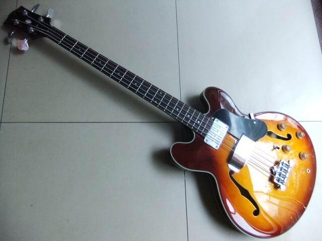 New Arrival  ES-335 Model 4 string electric bass guitar semi hollow body in sunburst 110710