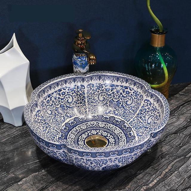 Jingdezhen China Handmade Lavabo Washbasin Blue And White Artistic Bathroom Sink Hand Painted Sinks Flower Shape