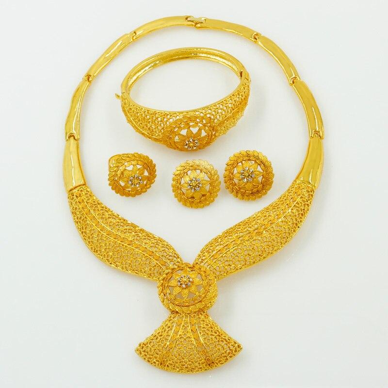 Mariage de luxe européen 24 ensembles de bijoux en or Design créatif collier en cristal anneau boucles d'oreilles charme femmes bijoux accessoires