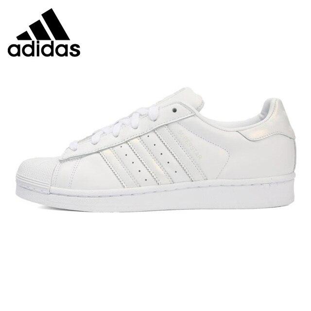 Original New Arrival 2018 Adidas Originals SUPERSTAR W Wanita Skateboard  Sepatu Sneakers e8aad63822