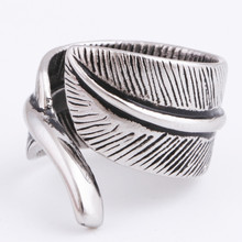 Men Vintage Rings Feather Leaf 316L Stainless Steel Retro Ring for Women Punk Street Accessories Simple Design