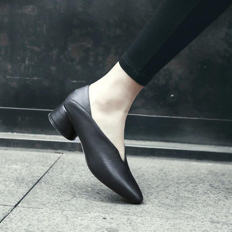 Mljuese 2019 여성 펌프 가을 봄 부드러운 암소 가죽 슬립 블랙 컬러 로마 스타일 광장 발가락 낮은 발 뒤꿈치 신발 크기 33 40-에서여성용 펌프부터 신발 의  그룹 1