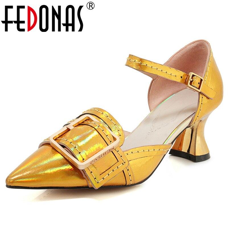 4a15784198e9b9 Nouveau Cuir Top Design Classique Femmes 2019 Mode Talons jaune Pompes  Véritable Fedonas Chaussures Qualité Bout ...