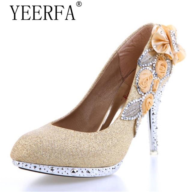 Sapatos De Casamento Branco Bonito Vogue YIERFA rendas Flores de Cristal  Sapatos de Festa 8 cm b35da9b1e3