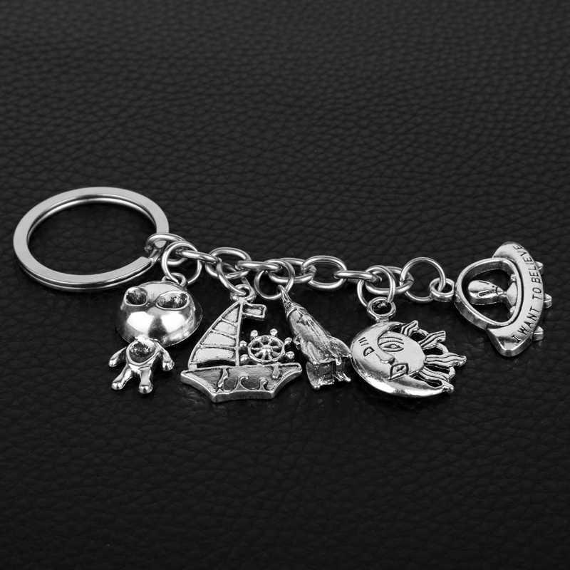 Dongsheng bán buôn Người Ngoài Hành Tinh Predator AVP Keychain Alien Nữ Hoàng Mặt Dây Chuyền Keyring Phụ Kiện Người Đàn Ông Quan Trọng Chains Cho Người Hâm Mộ Món Quà-50