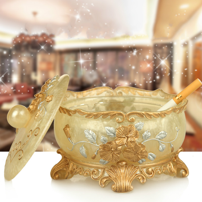 European Ashtray Creative Personality Crystal Glass Ashtray with Lid Bedroom Living Room Coffee Table Decoration Gifts