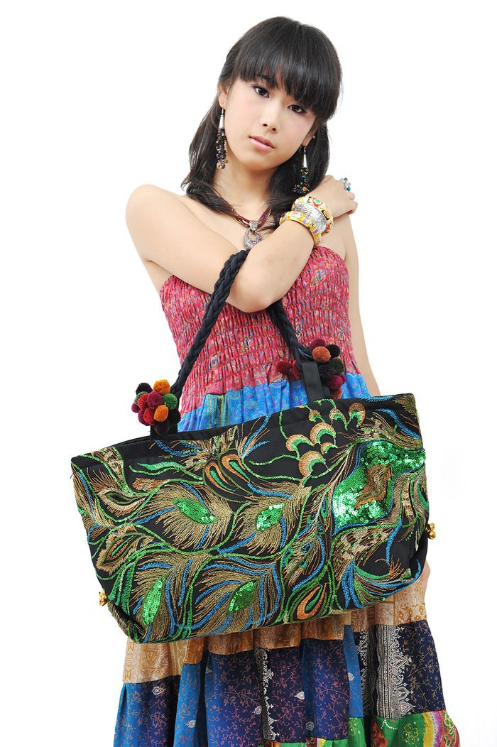 ФОТО Newest Original Ethnic Double-sided embroidery Peacock sequins women handbags Fashion Vintage exotic Canvas pompon shoulder bags