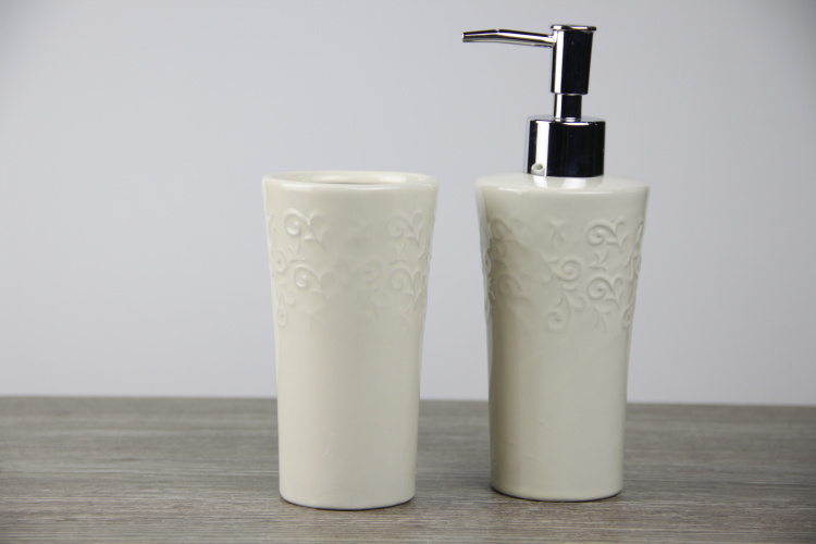 Acquista all'ingrosso online elegante set da bagno da grossisti ...