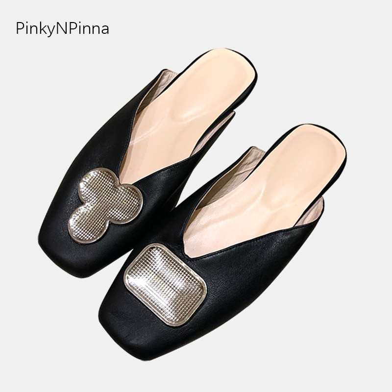 2019 Fashion women designer outdoor slippers soft genuine leather sheepskin V-cut upper shining metallic flat mules slides shoes2019 Fashion women designer outdoor slippers soft genuine leather sheepskin V-cut upper shining metallic flat mules slides shoes