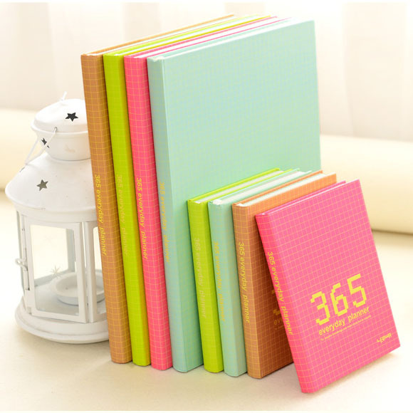 869 365 Day Plan Monthly Weekly Day Planner Diary Notebook