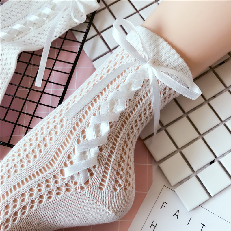 2018 Autumn & Winter Lady Lolita Style Hollowed Side & Back Silk Ribbon Bowknot Tie Short Tube   Socks   Woman Cotton   Socks   2 Colors