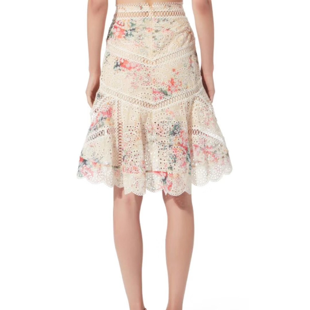 fc8839f103 Women Floral printed Adjustable Thin Straps Sweetheart Neckline Laelia  Diamond Frill Bralette Top Back Button Closure And Skirt -in Women s Sets  from ...