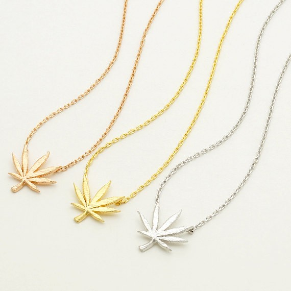 1pcs High quatity tiny Gold leaf shape Promoting Sale metal Maples Leaves Line Chain Necklaces women Fashion Jewelry girls gifts