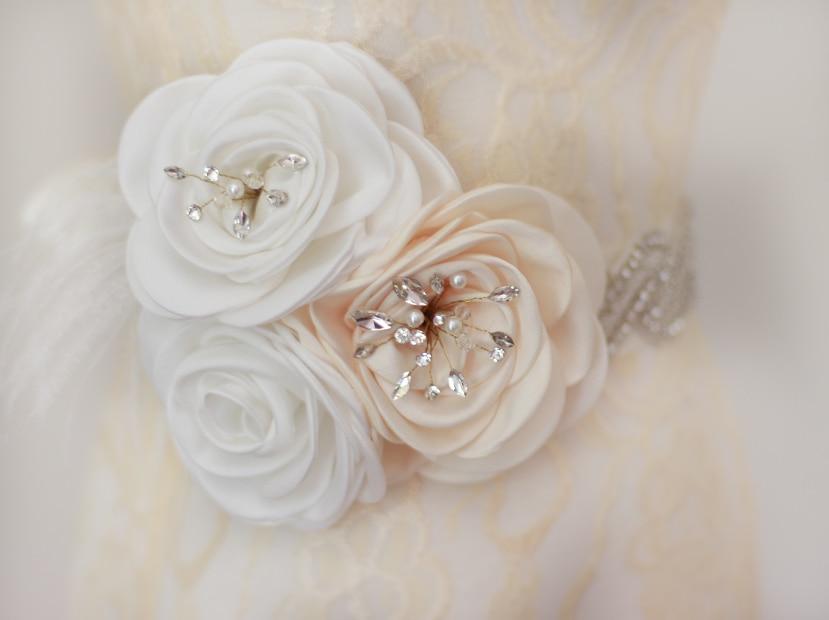 Nouveau produit brillant luxueux cristal strass pierres tchèques formelle robe de mariée ceinture arrivée à la main superbe ceinture de mariée