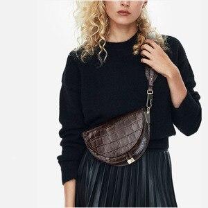 Image 1 - [BXX] 2020 חדש אופנה נשים בגדים חצי מעגל Coverd עור מפוצל טרנדי אחת כתף מעטפת שקיות WC63701