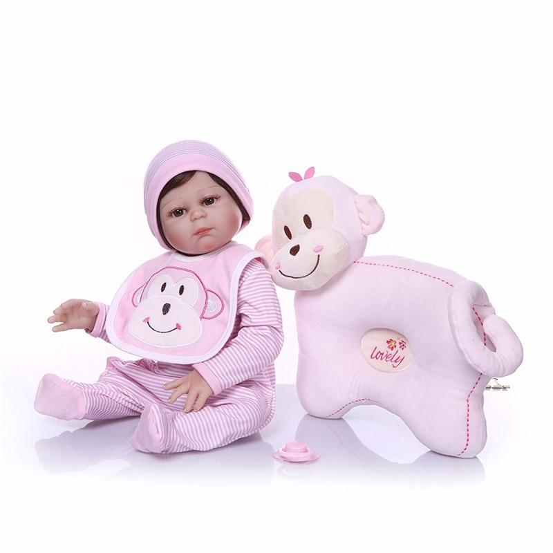 NPK Bebe Reborn 55 cm Silicone Reborn poupées bébés jouet de bain réaliste nouveau-né princesse bébé poupée avec oreiller motif singe