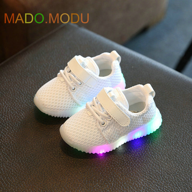 Children-Shoes-With-Light-Chaussure-Led-Enfant-2017-Spring-New-Kids-Sports-Shoes-Breathable-Boys-LED-Sneakers-for-girls-2