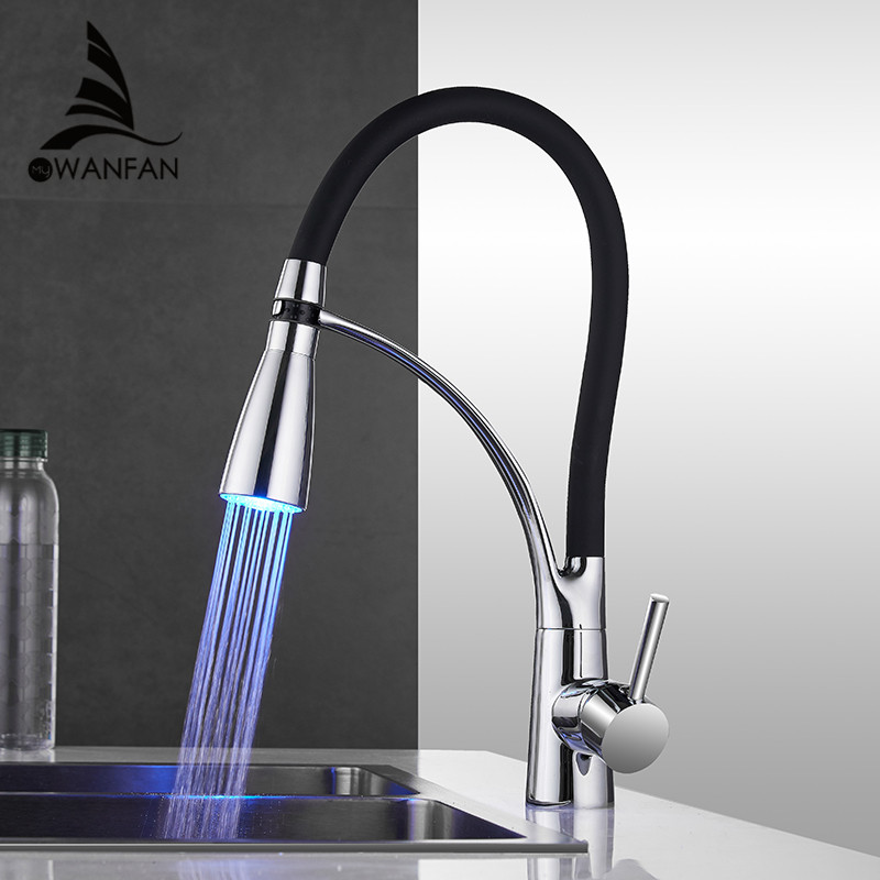 LED Kitchen Faucets with Rubber Design Chrome Mixer Faucet for Kitchen Single Handle Pull Down Deck Mounted Crane for Sinks 7661