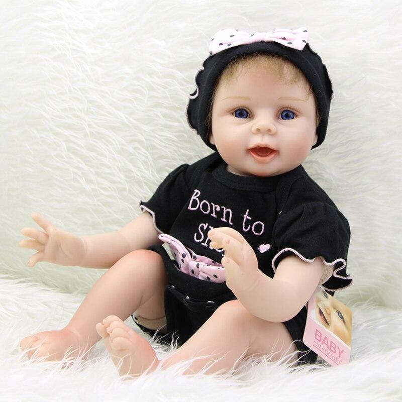 Коллекционная 22 дюймов коллекционные Reborn девушка куклы жизнь как новорожденных носить темно-платье может лжи и сидя