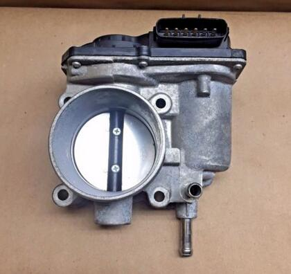 05 Toyota Corolla Matrix Vibe 1.8L Throttle Body Assembly 1ZZFE 22030 0D030 OEM