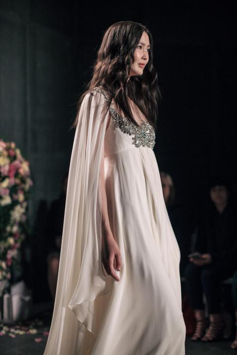 2017 jenny packham runway vestidos de novia sheer scoop rebordear