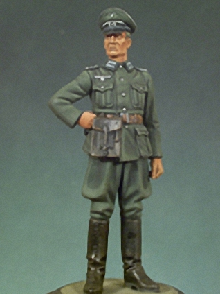 1:35  German Officers In World War II
