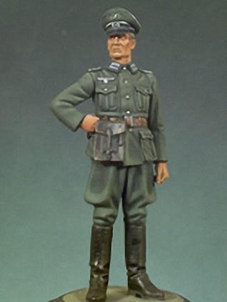 1:35  German Officers In World War II