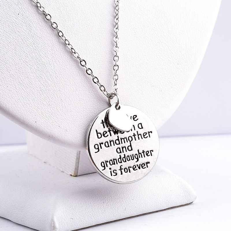 """ใหม่""""ความรักระหว่างยายและgranddaughterเป็นตลอดไป""""สร้อยคอครอบครัวหัวใจรักหนังสือจี้คอ"""