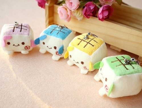 Super Cute Mini Tofu 4Colors- Choice 3CM DOLL String Rope DOLL TOY ; Wedding Bouquet TOY DOLL , Accessories plush dolls