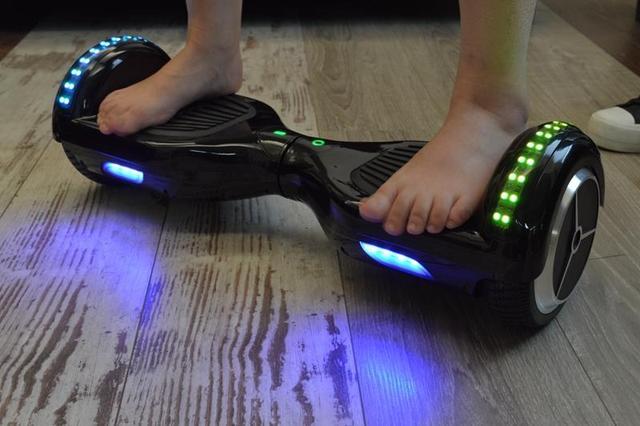 Speaker Met Licht : Creative halo bluetoothspeaker met kleurenzee aan licht alpha audio