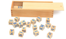 Купить с кэшбэком New Wooden Baby Toy Montessori A to Z Letters Spelling Baby Educational Toy Baby Gifts