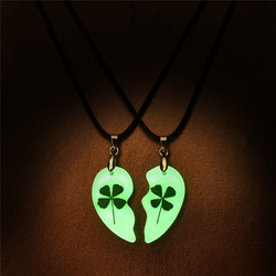 Clover Luminous Couple Necklace 2pcs Heart Shape Pendant Necklace Glowing In The Dark Lover Jewelry Rope Long Necklace Wholesale