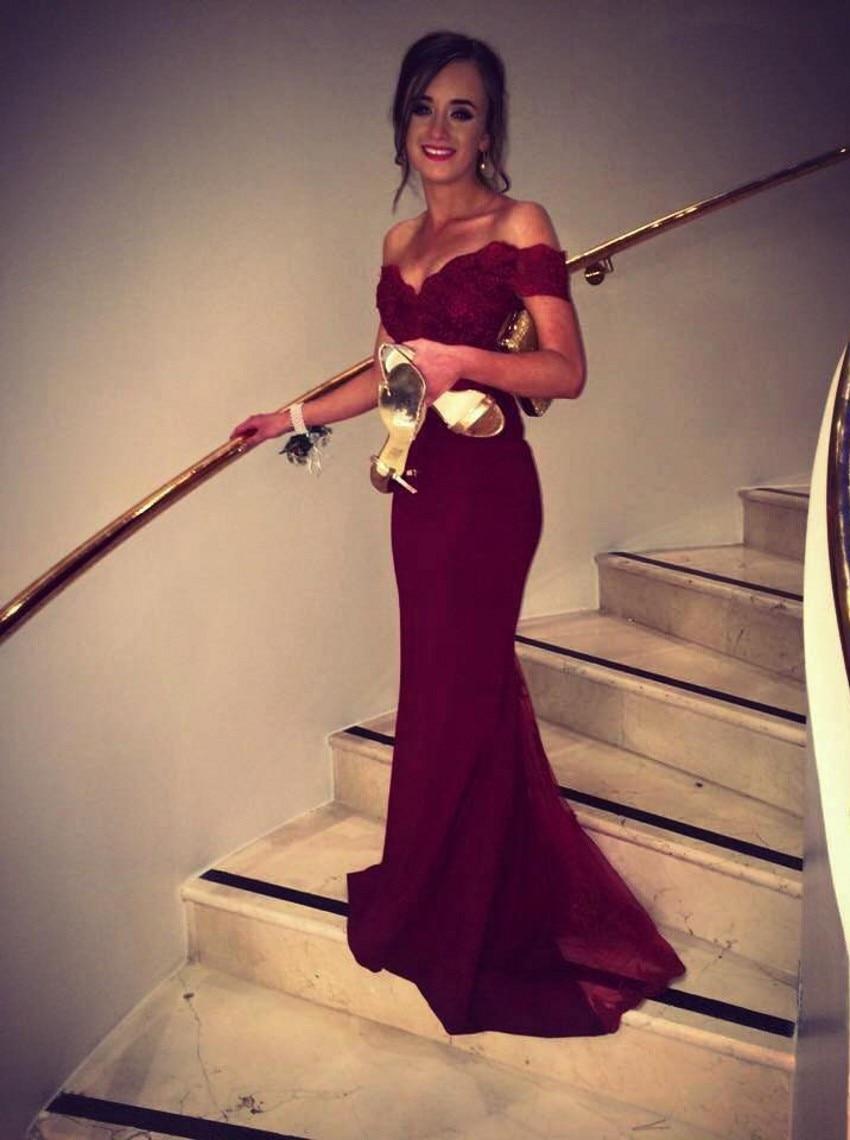 Vestidos de noche en rojo vino
