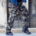 Foto Real Outwear Mens Calças de Camuflagem Moda Multi Bolsos Calças Largas Corredores Camo Militar Do Exército de Carga Calças dos homens de Roupas