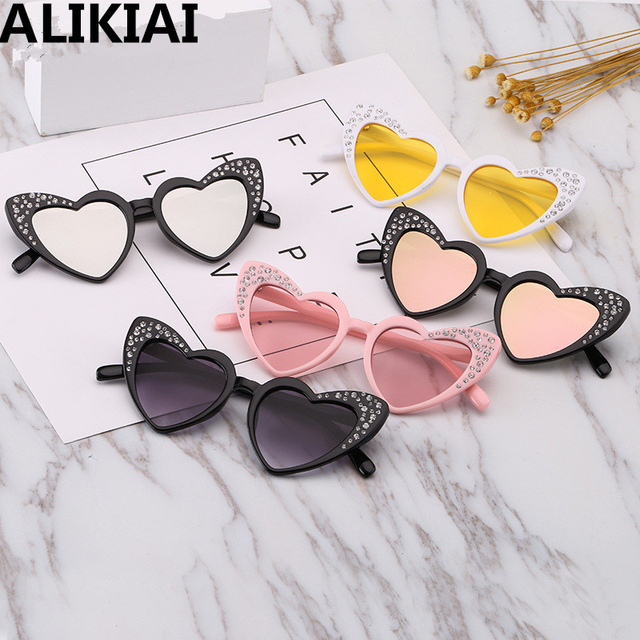 5b9d01a07f6 2019 Kids Sunglasses Children Baby Rhinestone Heart Shaped Sun Glasses Girls  Cute Cat Eye Glasses UV400