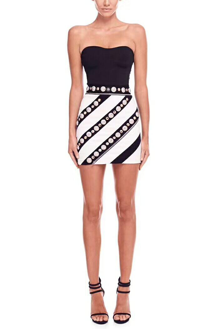 Robe d'été sans bretelles noir blanc femmes robe moulante Bandage Sexy rayonne bonne extensible Mini robe Vestidos nouveau Clubwear YO-36