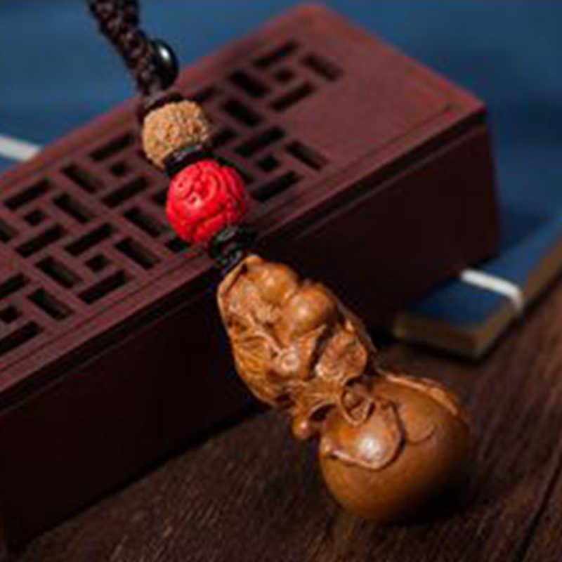 TiOODRE nuevo chino tradicional de buena suerte llavero de coche de calabaza lindo Mini melocotón llavero de madera colgante de la suerte interior del coche