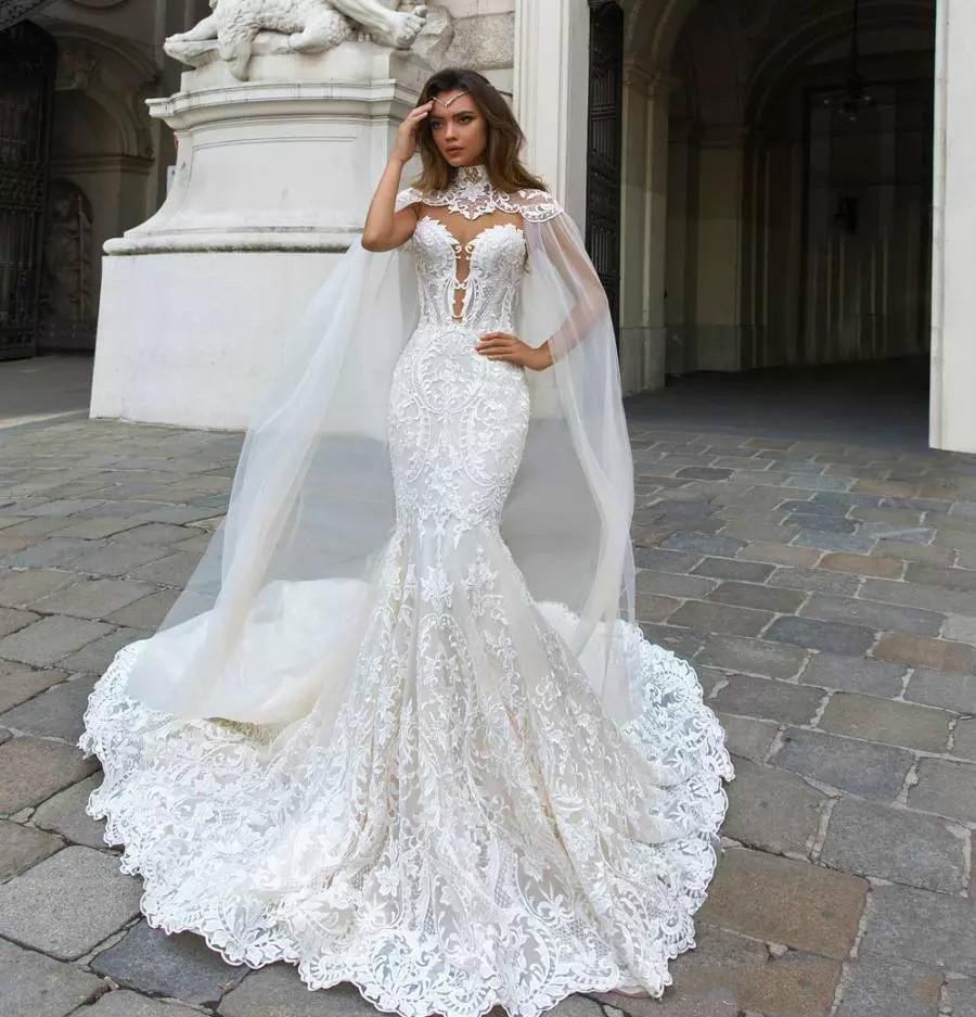 2019 Modest Mermaid Lace Wedding Dresses With Cape