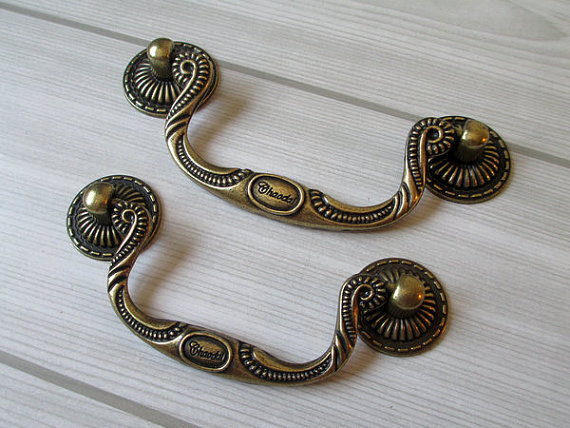 Shabby Chic Dresser Pulls Drawer Pull Handles Bail Pulls Antique Bronze Kitchen Cabinet Handle Knobs Furniture Hardware 86 96 mm rhinestone crystal kitchen cabinet door knobs handle drawer handles dresser pulls shabby chic glass knobs silver white clear