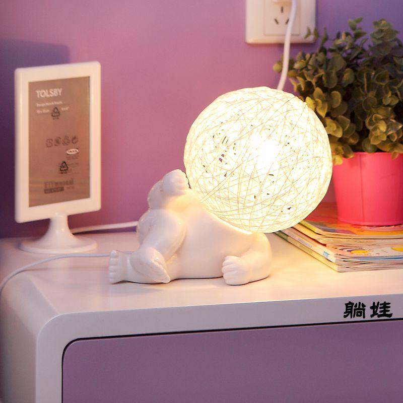Blanc grande tête poupée lampe de bureau dessin animé enfants mignon lumière chambre chevet étude os en céramique petites lampes de table ZA926127
