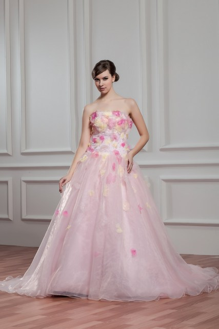 Plus Size Pink Wedding Dresses With Floor Length Straplessoff The