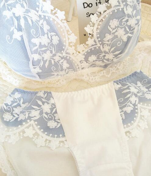 Image 3 - 2019 New Arrival 100% Real Photos France Style Lolita Sexy Cute Kawaii Lace Padded Wireless Seamless Bra Panties Set RB316-in Bra & Brief Sets from Underwear & Sleepwears
