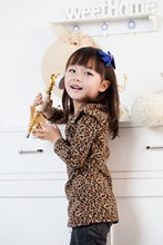 Autumn new children's clothing fashionable girl child sweatshirts clothes long section leopard sweaters M knitting pattern